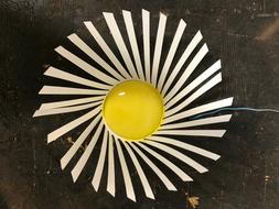 All metal daisy hanging flower use on fence or garden outdoo