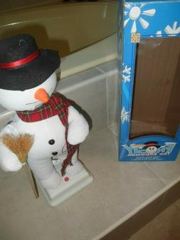 GEMMY ANIMATED FROSTY THE SNOWMAN,HEAD & ARMS MOVE,SINGS FRO