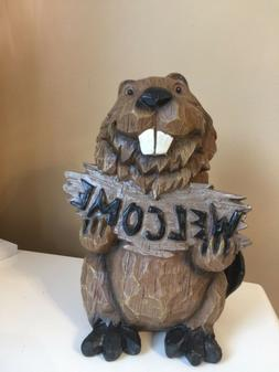 BEAVER Holding Welcome Sign LAWN ORNAMENT YARD DECOR VILLAGE