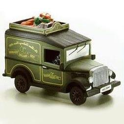 Dept. 56 Original Dickens Village Village Express Van #5865-