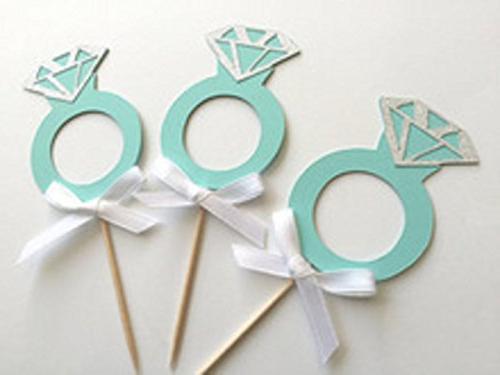 aqua blue diamond ring cupcake
