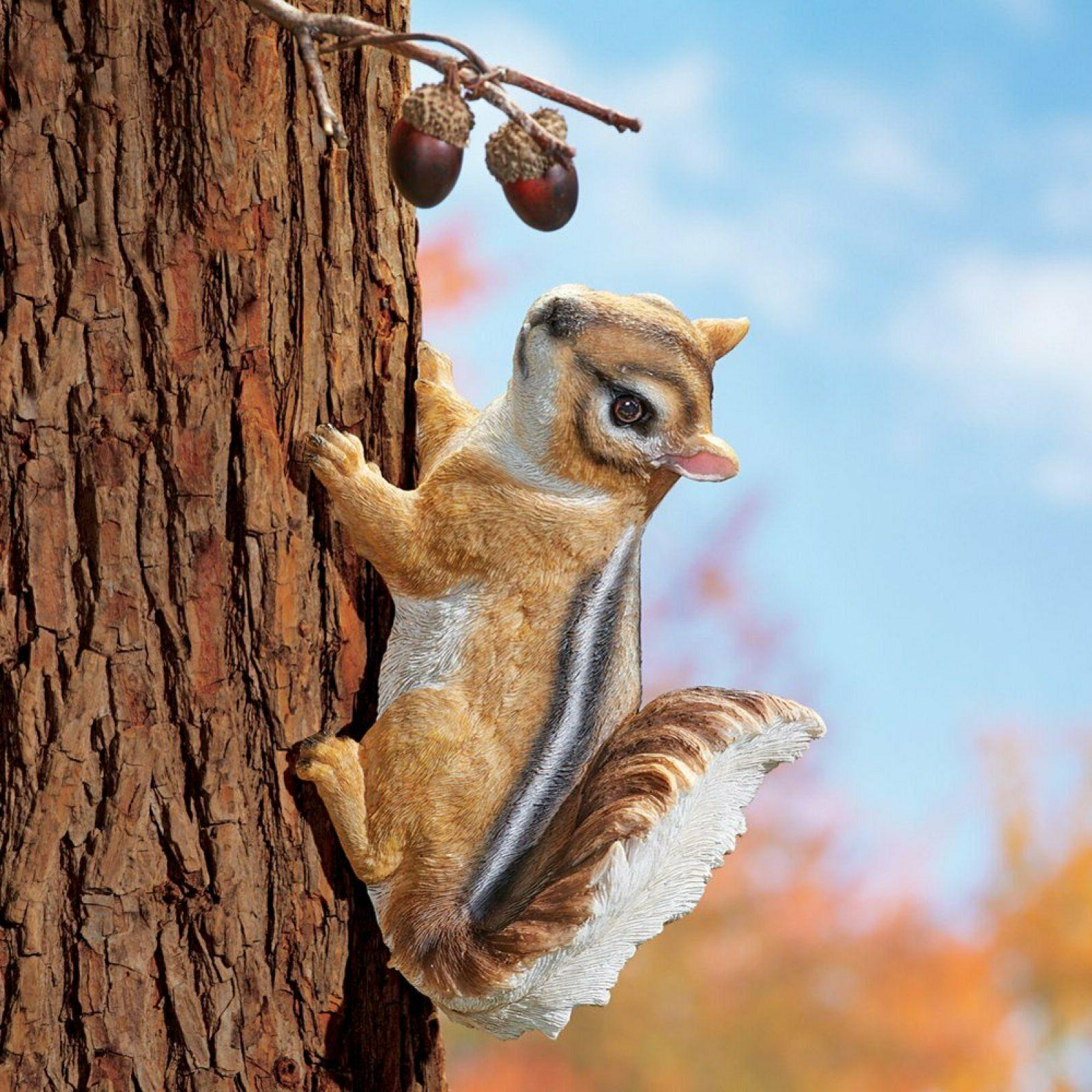 Climbing Chipmunk Tree Hugger Fence Mount Garden Yard Statue