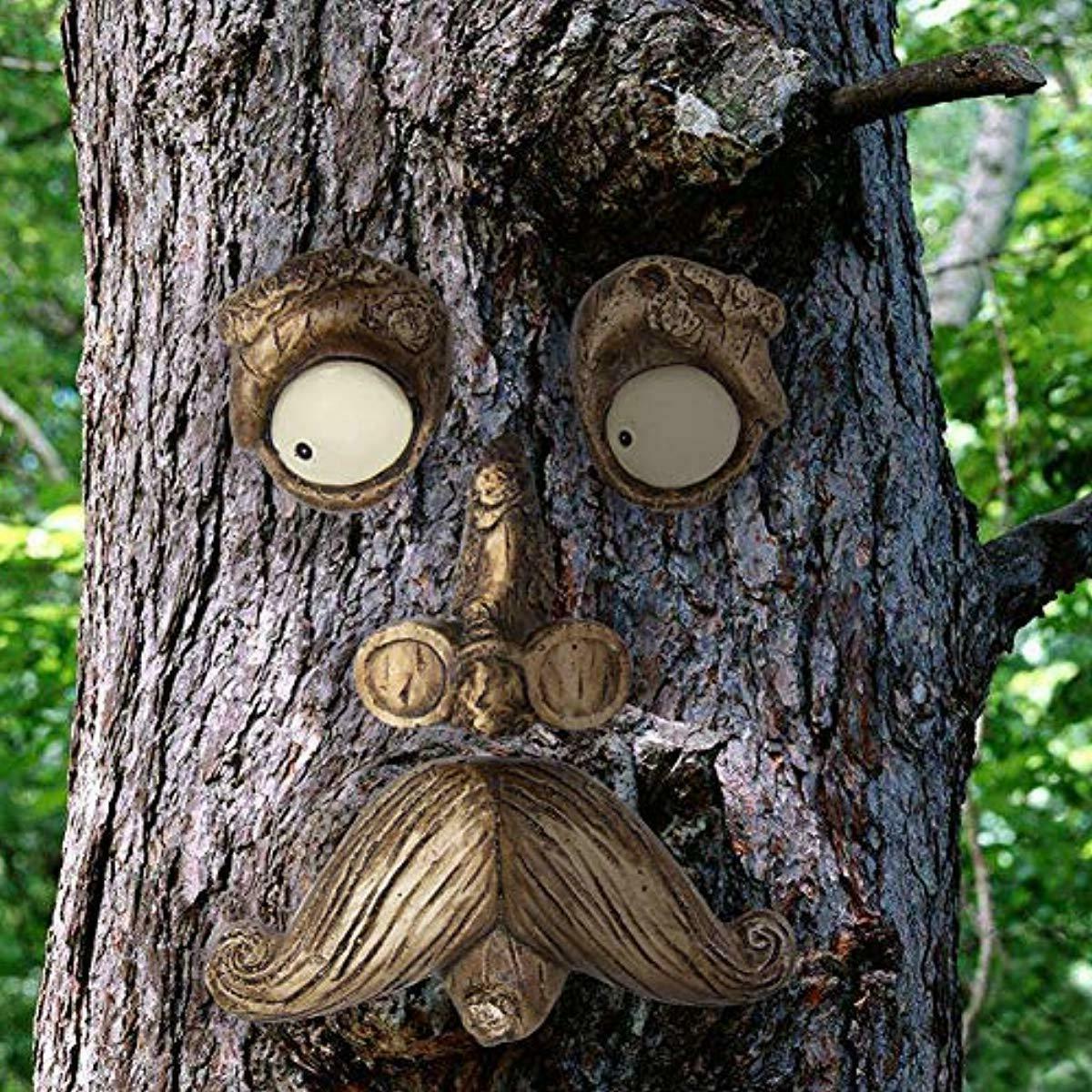 EnHoHa Man Tree Hugger Yard Art Tree Decor Garden