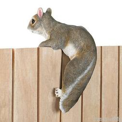 Lifelike squirrel climbing fence pot hanging outdoor garden