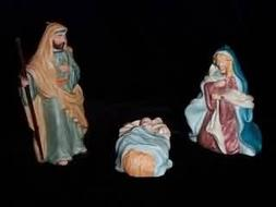 QX6523 Blessed Nativity The Holy Family
