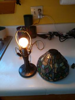 """Stained glass table lamp-gorgeous & intricate 12"""" Very good"""